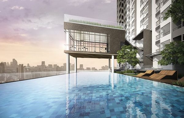 Rhythm-Asoke-Bangkok-condo-for-sale-sky-swimming-pool-and-sky-fitness